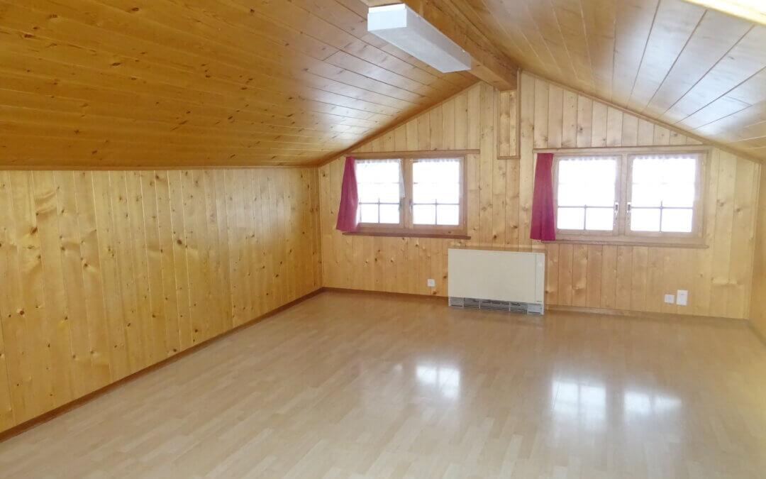 Burgergemeinde vermietet Dachwohnung im Burgerhaus